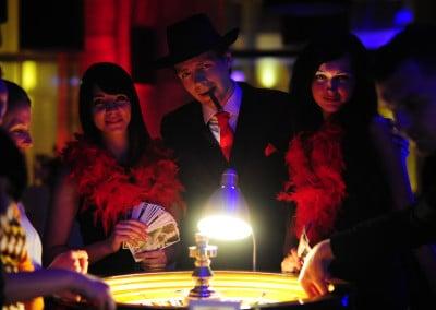 impreza kasyno gatsby lata 20-30 prohibicja al capone